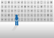 Vektorillustration i plan design med symboler Korkad person som förkrossas av stora data och söks efter hjälp och svar Royaltyfria Foton