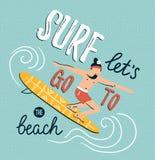 Vektorillustration med den unga mannen på surfingbrädan Sommarbakgrund med stilfull bokstäver vektor illustrationer