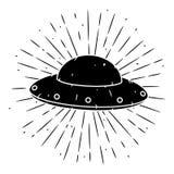 Vektorillustration med en ufo och avvikande strålar på svart tavla Använt för affisch, baner, rengöringsduk, t-skjorta tryck, pås Royaltyfria Bilder