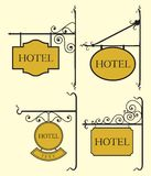 Uppsättningen av hotellet undertecknar stiger ombord Royaltyfri Fotografi