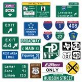 Trafikera vägleder tecken i Förenta staterna Fotografering för Bildbyråer