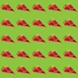 Vektorillustrationstycken av pizza med korven och smältt ost på en försiktigt grön bakgrund Royaltyfri Fotografi