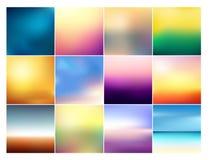 Vektorillustrationuppsättning av 12 fyrkantiga suddiga bakgrunder i pastellfärgade färger Härligt solnedgånglutning- och soluppgå royaltyfri illustrationer