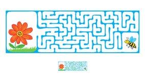 Vektorlabyrint, labyrint med flygbiet och blomma Arkivfoton