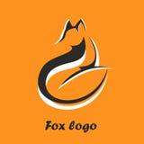 Vektorlogoräv Räv som bort sitter och ser Det lakoniska symbolet för symboler, logoer lurar, emblem och emblem Fotografering för Bildbyråer