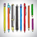 Vektorn skissar av blyertspennor och pennor Royaltyfri Bild