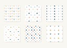 Vektorn ställde in av sömlösa olika modeller med trianglar royaltyfri illustrationer