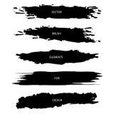 Vektorn ställde in av svarta texturerade borsteslaglängder som isolerades på vit bac royaltyfria bilder
