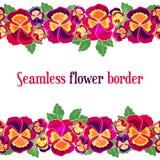 Vektornahtlose Blumengrenze Entwerfen Sie für Heiratseinladung, Blumenladen und Schönheitssalons Helle Pansies auf Weiß Lizenzfreies Stockbild
