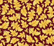Vektornahtloses Muster mit goldenen Blättern Lizenzfreies Stockbild