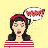 Vektorpopkonst förvånade kvinnaframsidan med den öppna munnen Arkivbild