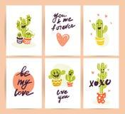 Vektorsamling av plana gulliga förälskelsekort med rolig hand drog kaktussymboler och stående och att märka lyckönskan och hjärta Royaltyfria Foton