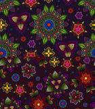 Vektorsatz des Hand gezeichneten Musters, gemacht vom Blumengekritzel Rundschreiben farbiges Muster für Dekoration Stockbild