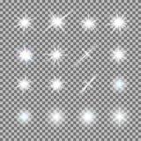 Vektorsatz glühendes Licht birst mit Scheinen auf transparentem Hintergrund Stockbilder