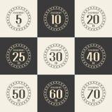 Vektorsatz Jahrestagssymbole 5., 10., 20., 25., 30., 40., 50., 60., 70. Jahrestagslogo ` s Sammlung Lizenzfreies Stockfoto