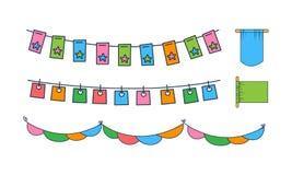 Vektorsatz verschiedene mit dem Kopfe stoßende Flaggen Bunter Feiertagsdekor Dekorative Elemente für Postkarten- oder Parteiplaka vektor abbildung