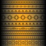 Vektorset des goldenen aufwändigen Randsets für Auslegung Stockfotografie