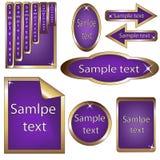 Vektorset violette und goldene gestaltete Kennsätze Stockbild