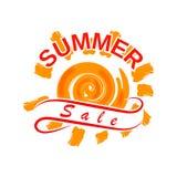 Vektorsommerschlussverkaufdesign mit heißer Sonne und stilisiertem Band Schablone für die Werbung des Sommerschlussverkaufs Lokal Stockbild