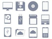Vektorsymbolsuppsättning av olika lagrings- och datorapparater royaltyfri illustrationer