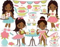 Vektortebjudninguppsättning med den små afrikansk amerikanflickor, muffin, tekrukan och koppar stock illustrationer