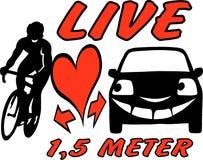 Vektortecknad filmillustration av en cyklist och en bil som är medvetna och hänsynsfulla i trafiken royaltyfri illustrationer