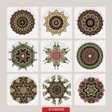 Vektoruppsättning av blom- beståndsdelar för henna som baseras på traditionella asiatiska prydnader Paisley Mehndi klottrar samli vektor illustrationer