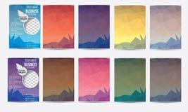 Vektoruppsättning av den Polygonal affischen, reklamblad, broschyrdesignmallar Arkivbild