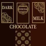 Vektoruppsättning av designbeståndsdelar och sömlös modell för att förpacka för choklad och för kakao - etiketter och bakgrund Royaltyfri Bild