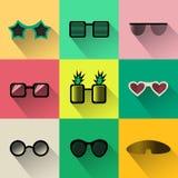 Vektoruppsättning av enkla symboler för olik formsolglasögon Royaltyfri Illustrationer