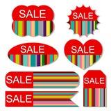 Vektoruppsättning av färgrika försäljningsetiketter royaltyfri illustrationer