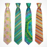 Vektoruppsättning av färgrika slipsar royaltyfri illustrationer