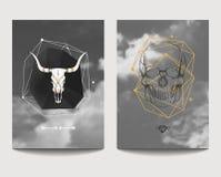 Vektoruppsättning av gotiska stilaffischer med tjur- och människaskallar Royaltyfria Bilder