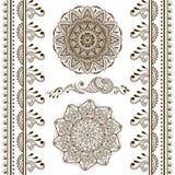 Vektoruppsättning av hand drog dekorativa beståndsdelar i etnisk indisk stil Samling av modellborstar inom stock illustrationer