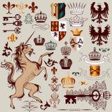 Vektoruppsättning av hand drog heraldiska beståndsdelar för design Arkivbild