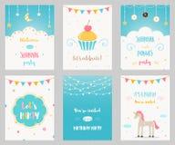 Vektoruppsättning av inbjudningar för födelsedag- och Sleepoverungeparti Arkivbild