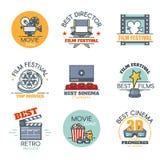 Vektoruppsättning av kulöra filmetiketter, bioemblem och designbeståndsdelar Filmar logomallen Plan begreppsstil för översikt Royaltyfria Foton