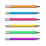 Vektoruppsättning av mångfärgade blyertspennor på vit Royaltyfri Foto