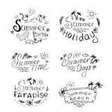 Vektoruppsättning av sommarloppet och semesteremblem och symboler Arkivfoto