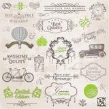 Vektoruppsättning: Calligraphic designbeståndsdelar och sidagarnering Royaltyfri Bild