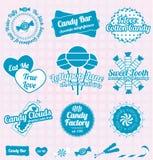 Vektoruppsättning: Den Retro godisen shoppar etiketter och symboler royaltyfri illustrationer