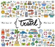 Vektoruppsättning med hand drog färgade klotter på temat av loppet, turism Skissar för bruk i design Arkivfoton
