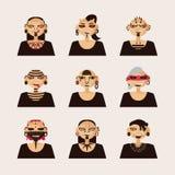 Vektoruppsättning med manliga tecken som dras med kroppändringar, piercing och tatueringen Stående i olika frisyr och stilar av stock illustrationer