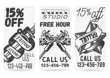 Vektoruppsättningen av tappningmallar för tatueringstudior erbjuder, befordringar stock illustrationer