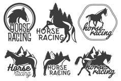 Vektoruppsättning av hästkapplöpningetiketter i retro stil för tappning Planlägg beståndsdelar, symboler, logoen, emblem Arkivfoto
