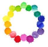 Vektorvattenfärgkrans med färgrika regnbågeklickar Royaltyfri Fotografi