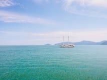 Vela ao mar Fotografia de Stock Royalty Free