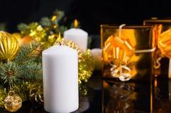 Vela ardente do Natal ou do advento fotos de stock