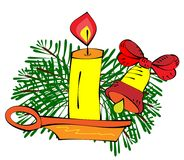 Vela ardente em um suporte e em um poinset do Natal fotografia de stock royalty free