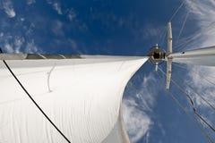 Vela billowing en viento fotos de archivo libres de regalías